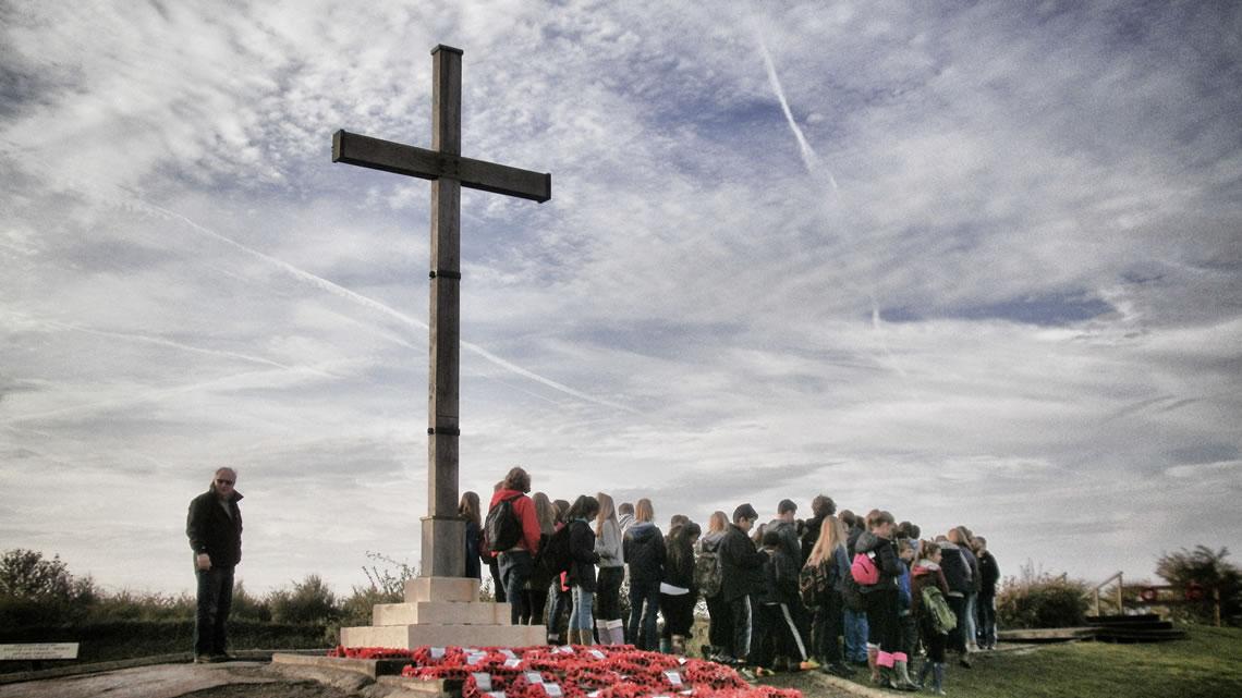 Pupils at first world war battlefields memorial
